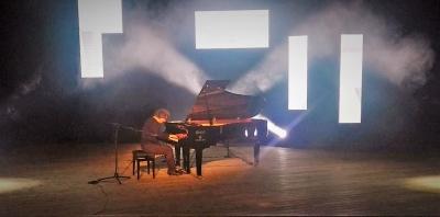 AL TEATRO CAMPLOY LE RIFLESSIONI MUSICALI DI REMO ANZOVINO
